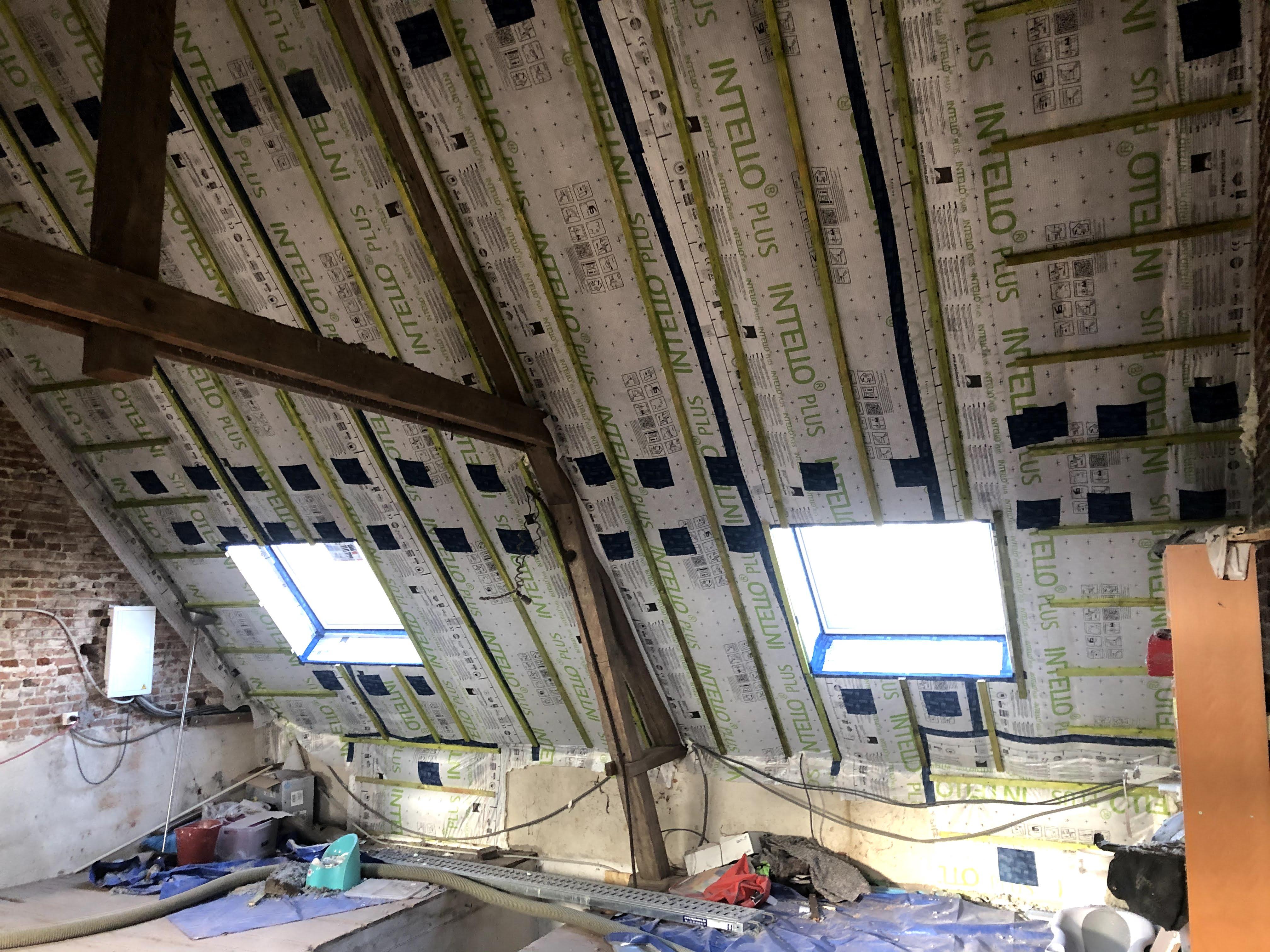CVH - Spécialiste de l'isolation de toiture situé à Soignies-